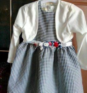 Нарядное платье на девочку 104см