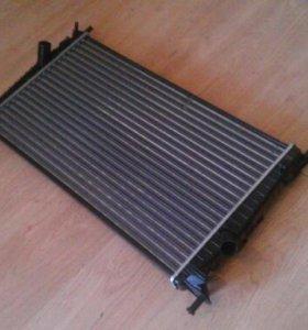 Радиатор охлаждения Ford Focus 2