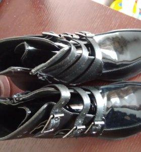 Ботинки новые. Обувь женская