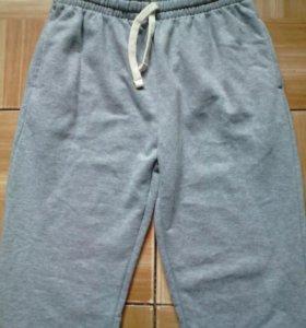 Новые спортивные брюки 46 р