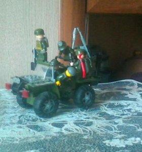 Лего машина с 5 солдатами