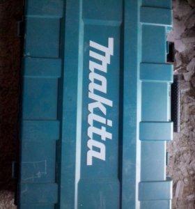 Отбойнный молоток Makitta HM 1203C