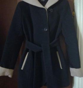Пальто женское. Размер 46