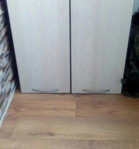 Кухоный навесной шкаф