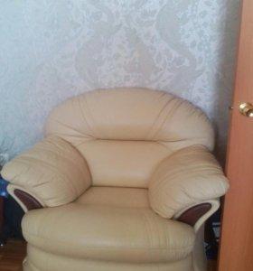 Диван угловои с креслом