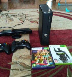 Xbox 360+kinekt+два джостика две игры в подарок