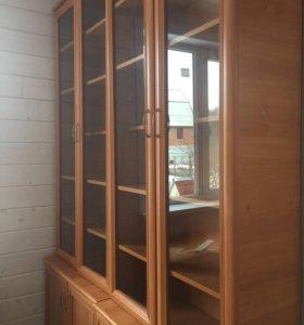 Книжные шкафы с тумбой