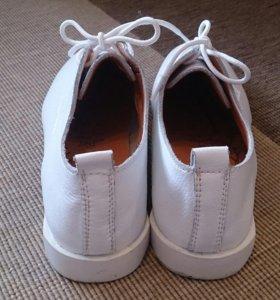 Туфли белые, р-р 38