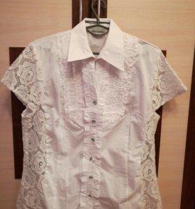 Блузка белая с гипюровыми вставками