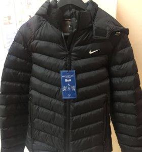 Новая куртка nike весна