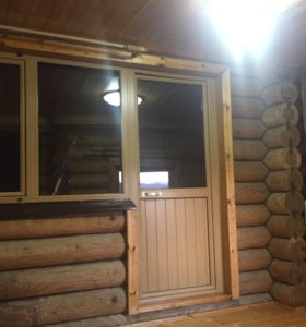 Входная дверь и окно