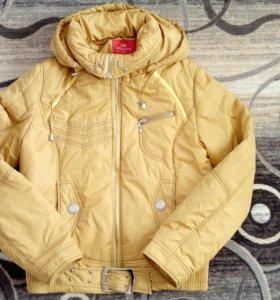 Женская куртка на весну р.46