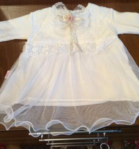 Детское платье, на 2-3 мес., одевалось один раз