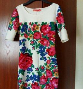 Стильное платье 42 р-ра