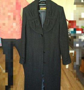 Шерстяное новое пальто,торг