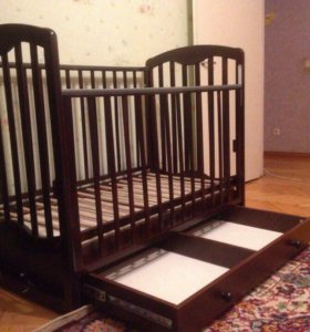 Детская кроватка+матрац+ защита