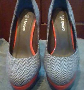 Продам туфли новые 38 размер