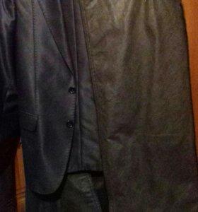 Продаю костюм и петжаки
