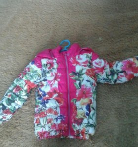 Курточка на девочку 3-4года