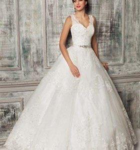 Свадебное платье итальянского бренда Garteli