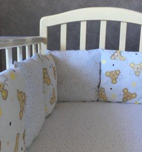 Новый комплект в детскую кроватку. Бортики
