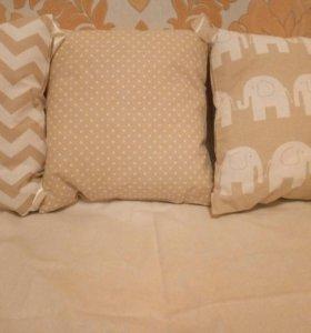 Бортики-подушки в кроватку в наличии