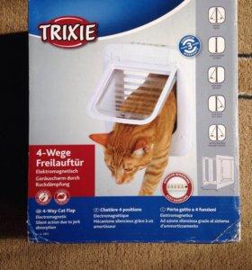 Дверца для кошки с магнитным замком