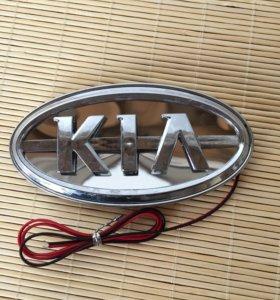 Логотип киа с подсветкой.