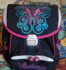 Рюкзак школьный длч девочек в хорошем состоянии