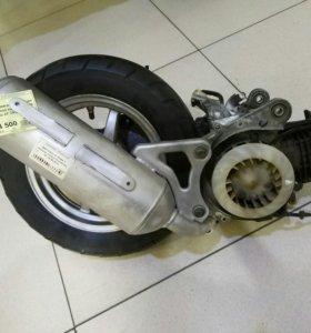 Двигатель с колесом Honda DIO