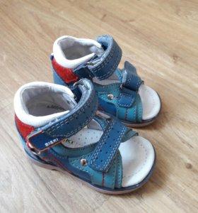 Детские сандали 17 размер