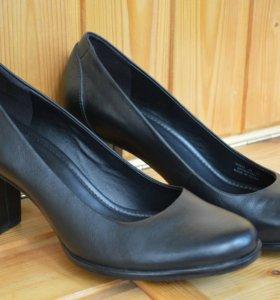 Элегантные и удобные туфли Ecco