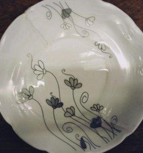 Набор керамические тарелки 25 предметов.