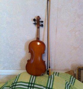 Скрипка 1/4,смычок.