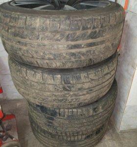 Комплект колес стояли на авто Infiniti G , R19