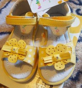 Новые сандали 22 размер