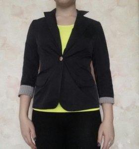 Пиджак и футболка(по отдельности)