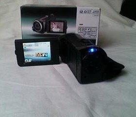 Продам новую видео камеру SONY