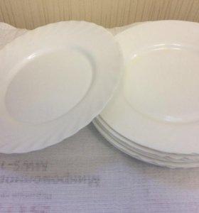 Тарелка Белая рифленая