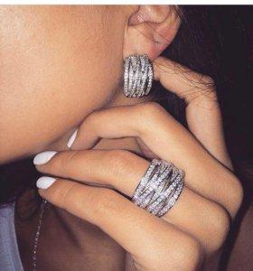 Кольцо с цирконами