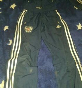 Спортивный костюм adidas размер:46-48