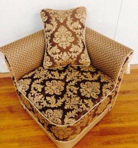 Продаётся мини-кресло (пуф)