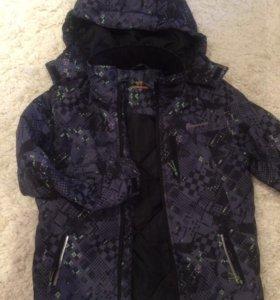 Новая куртка на мальчика.