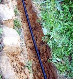 Подключение, разводка воды, копка траншей.