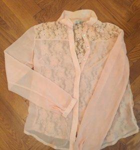 Блузка с кружевной спиной