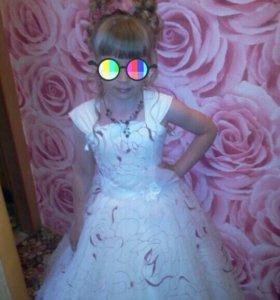 Платье на девочку