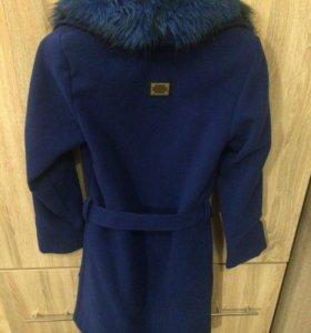 Драповое пальто отличного качества, мех отстегивае