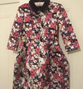 Платье-футляр короткое