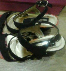 Новые туфли INARIO (оригинал)35 размер