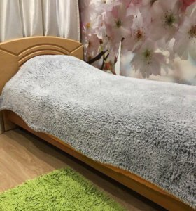 Кровать с матрацем 90x200